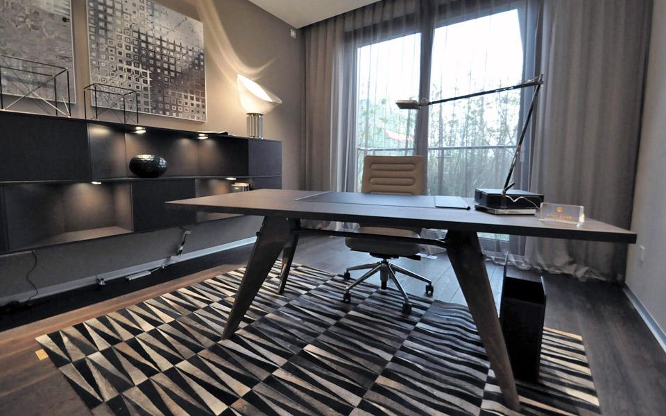 Musterwohnung Schreibtisch / Büro